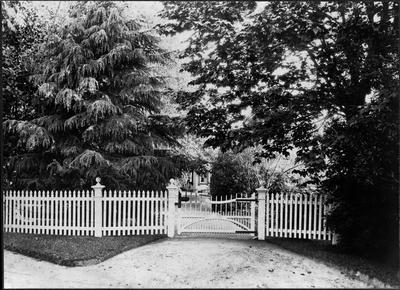 Gates of Bankwood Homestead