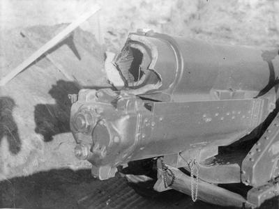 "Premature explosion - 6"" Howitzer, Tihoi"