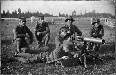 16th N.Z. Regt. - firing practise - Jim Cox on the right