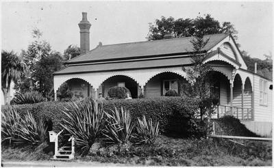 Beale Street House, Popham family