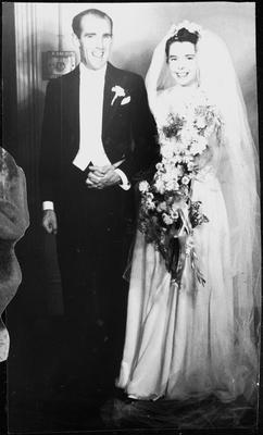 Marriage of Sid (Sydney Charles) Innes to Gwendoline Aimee Scott