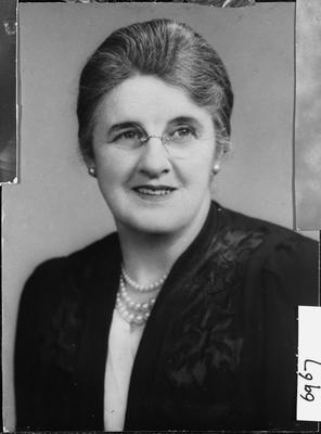Mrs Charles Lewis Innes [Florence nee Gillander]