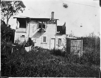 House fire near No. 1 Bridge 1922