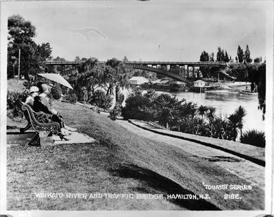 Waikato River & Traffic Bridge, Hamilton, NZ'