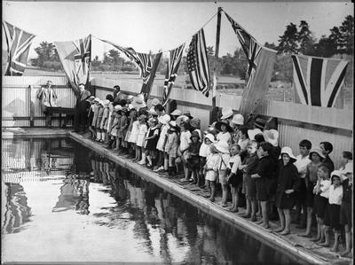 Hillcrest School - opening baths 1926