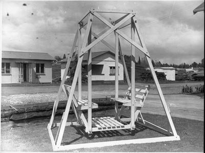 Ellis & Burnand - sample garden swing chair