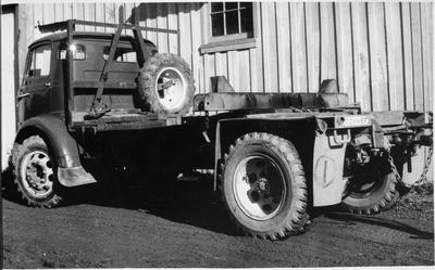A Commer pick-a-back logging truck
