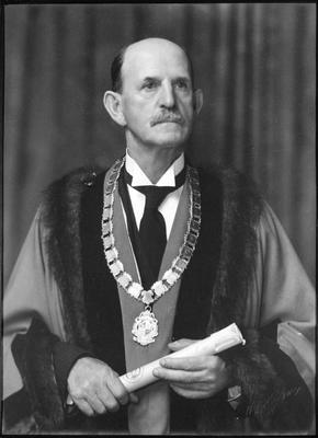 Mayor J R Fow