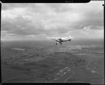 Piper aircraft in flight