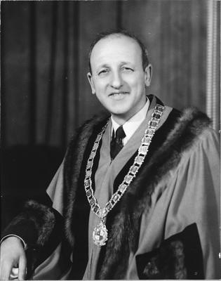 Mayor R Braithwaite