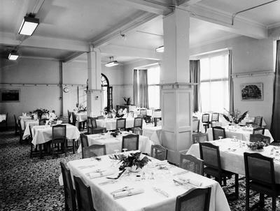 Hamilton Hotel dining room