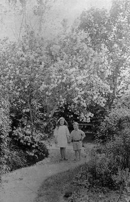 Douglas Children at Hockin House
