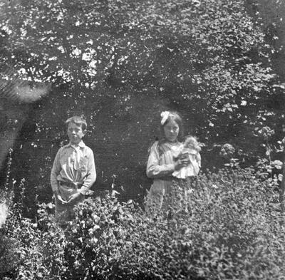 Douglas children in garden at Hamilton