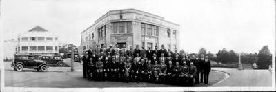 Hamilton Borough Councillors and staff in front of the Municipal buildings in Alma Street.