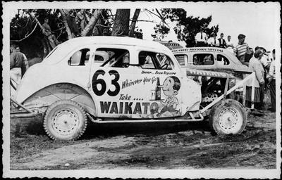 A Waikato Breweries stock car