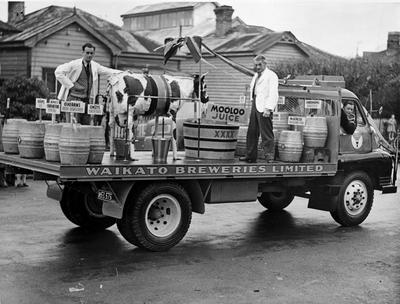 A Waikato Breweries Mooloo Parade float