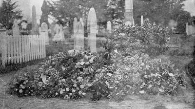 The grave of Mrs Brewis in Hamilton West Cemetery