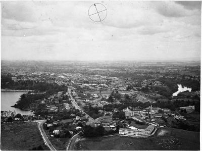 Aerial view of Hamilton: Waikato Hospital and Pembroke Street