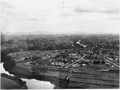 Aerial view of Hamilton: Hamilton East and Sillary Street