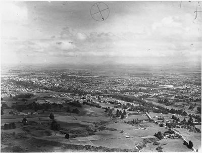 Aerial view of Hamilton: Bankwood and Chartwell