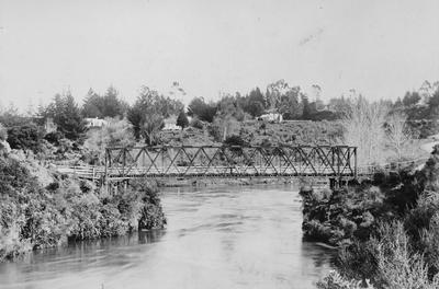 Bridge over the Waikato River at Cambridge