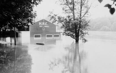 Hamilton Rowing Club - Waikato River in flood