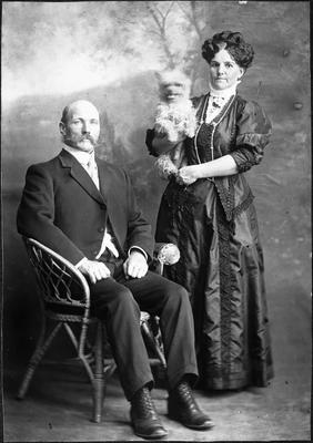 Ada Lye and family