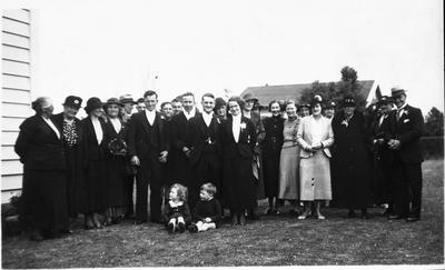 Lye family at wedding of Bob Lye