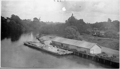 Barge at Hamilton Wharf