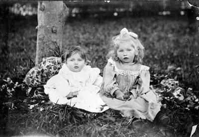 Anna Week and Cecilia Week