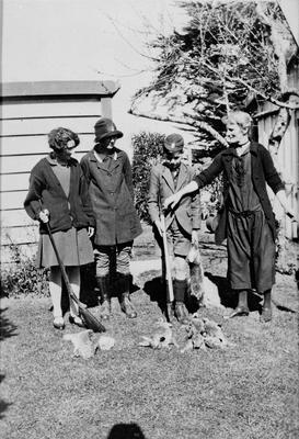 Alice, Nancy and Alf Steele