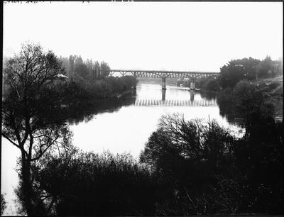 Union Bridge looking North