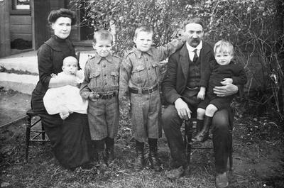 James family at Hamilton