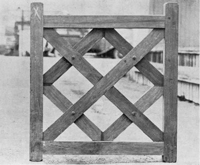 Ellis & Burnand - Bungalow gate