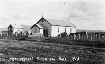 Ngahinapouri: School and Hall