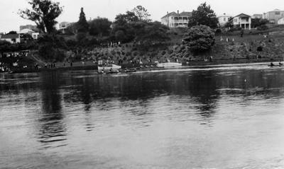 Regatta on riverbank, Hamilton