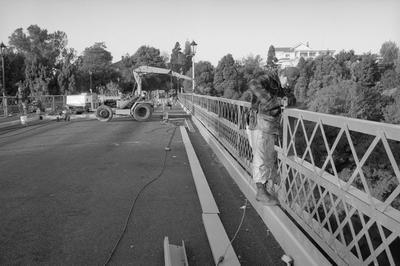 Finishing touches on the Traffic (Victoria) bridge