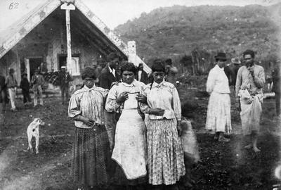 Group of Natives at Te Kuiti