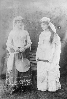Maud Cashel, Miss L Wallnutt