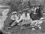 Maunder family at picnic.